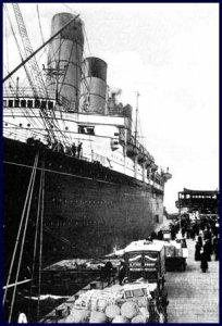 Lusitania-loading