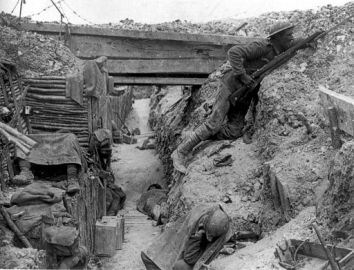 512px-Cheshire_Regiment_trench_Somme_1916.jpg
