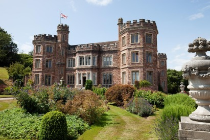 mount-edgcumbe-house-419653_1920.jpg